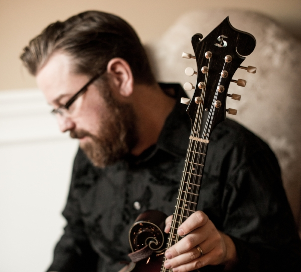 Lance plays and endorses Stonebridge Mandolins and Guitars.