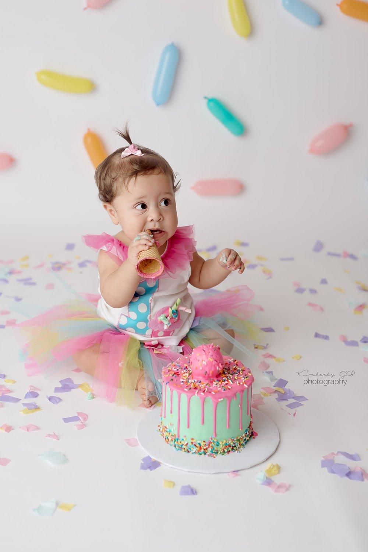 fotografia-de-ninos-primer-ano-anito-cake-smash-bizcocho-en-puerto-rico-kimberly-gb-photography-fotografa-103.jpg