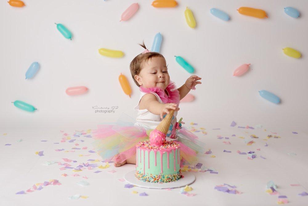 fotografia-de-ninos-primer-ano-anito-cake-smash-bizcocho-en-puerto-rico-kimberly-gb-photography-fotografa-135.jpg