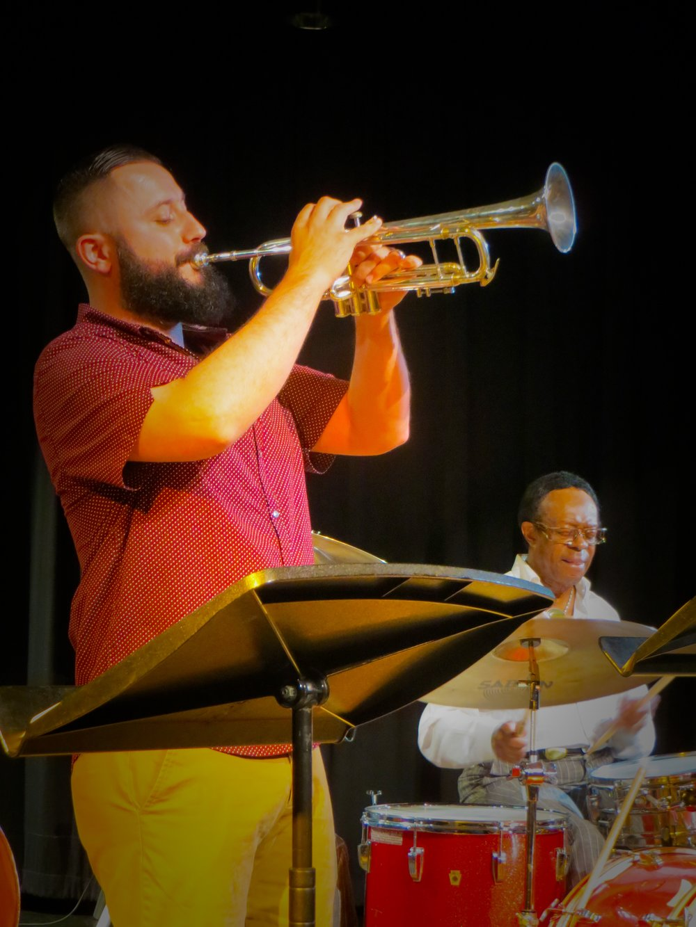chris klaxton performs with legendary louis hayes.jpg