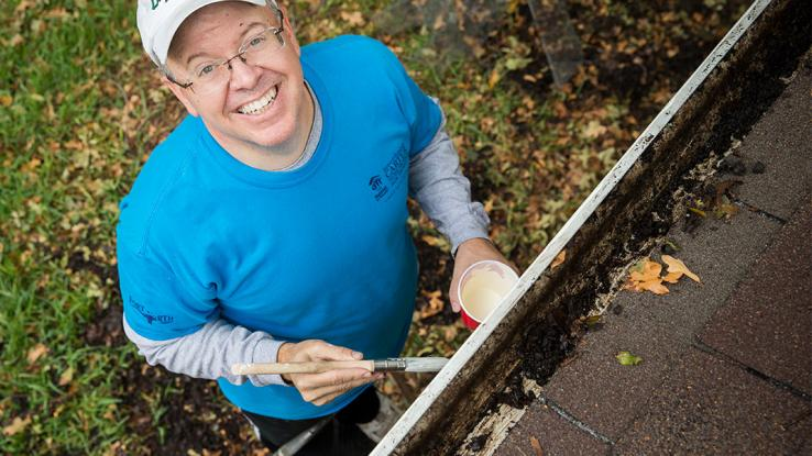 volunteer-paint-roof-us-cwp_0.jpg
