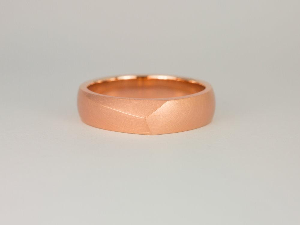 Men's Facet ring in rose gold