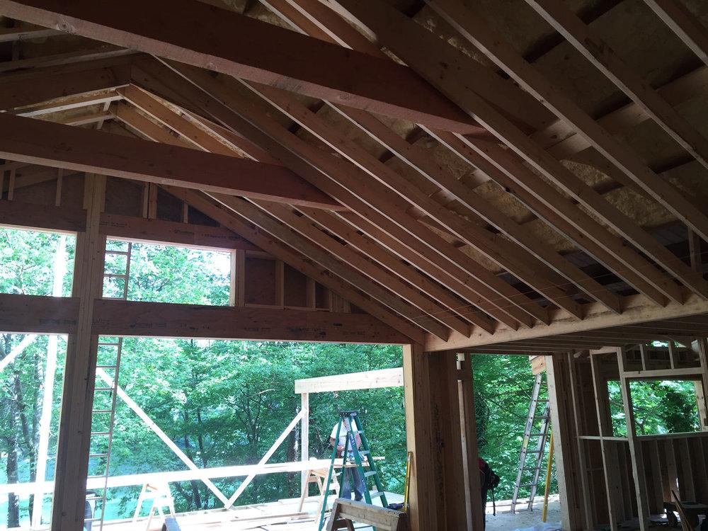 Lakehouse+interior+construcion.jpg