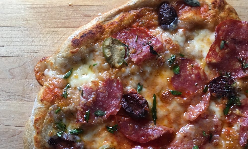 Pizzas  In this course you'll be making perfect pizzas, mini calzones, garlic bread and saltimbocca pizza sandwiches.