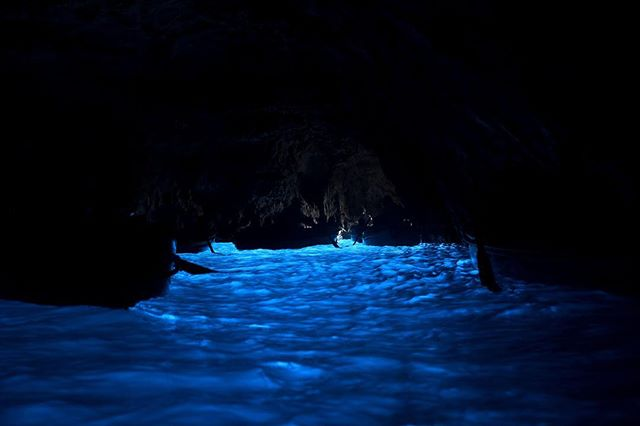 The blue grotto was astonishing. I'll never forget this! • ∙ • ∙  #photographylovers #picoftheday #pictureoftheday #pictureperfect #nikond750 #nikon #nikonphotographer #travelphotography #travel #travels #travelers #london #travelphotographer #travelphoto #travelphotos #brennaboatphotography #italy #italia #italian #capri #capriitaly #italy_vacations #italytravel #visititaly #visitcapri #capri #bluegrotto #italyphoto #naturalwonders #blue #italytrip