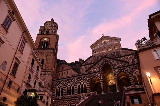 A beautiful pink sunset in Amalfi • ∙ • ∙  #photographylovers #picoftheday #pictureoftheday #pictureperfect #nikond750 #nikon #nikonphotographer #travelphotography #travel #travels #travelers #london #travelphotographer #travelphoto #travelphotos #brennaboatphotography #amalficoast #amalfi #italy #italian #italytravel #italy_vacations #visitamalficoast #visitamalfi #visititaly #igitalia #sunset #pink #italiancoast