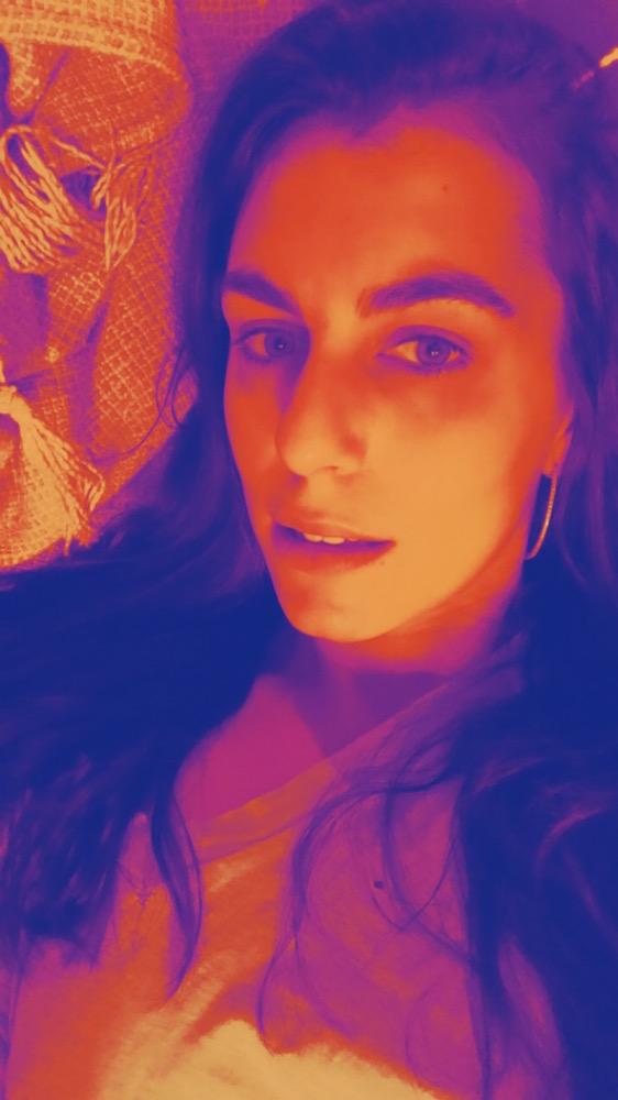 Shayna-Selfie copy.JPG