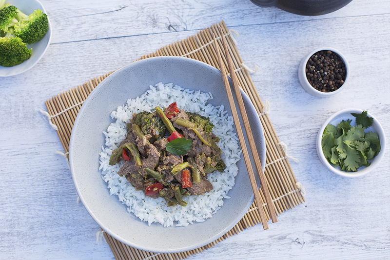 176. Beef and Broccoli Stir Fry served with rice, broccoli, green beans, capsicum and ginger