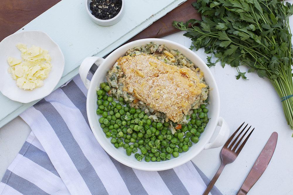 193. Fish Pie Salmon & Hoki Fisherman's pie served with peas