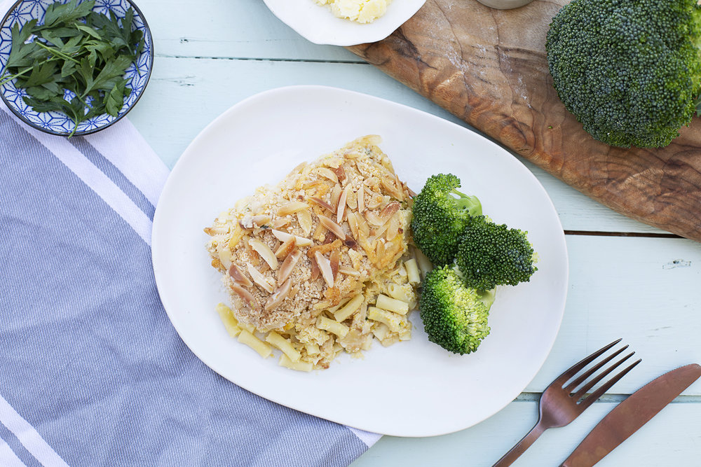 192. Mac & Cheese Creamy Mac & Cheese served with Broccoli