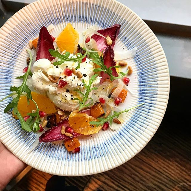 Picture perfect burrata 📸 This fennel, radicchio and rocket salad with clementine, pomegranate, squash and a citrus 🍊 dressing is reminder of summer in this gloomy weather #Brunch #BrunchAndStuff #Foodie #Vegetarian #FoodPorn #F52 #London #LondonEats #FoodBlog #Salad #Healthy #Clean #eeeeeats #OnMyTable #FoodStyling #FoodPhotography #JamiesItalian #InstaGood #InstaFood #InstaLike