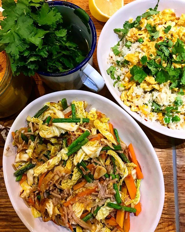 Such a fun day at the @jamieolivercookeryschool with @melissa.hemsley cooking up a Filipino feast based on Melissa's family favourites. The style is very much big plates on the table and everyone get stuck in - right up my street. Here we have Pancit, a Filipino party noodle dish and turmeric fried egg with cauliflower rice 👌🏻#JamieOliverCookerySchool #MelissaHemsley #Filipino #Foodie #London #Pancit #londonfoodie #foodie #f52 #eeeeeats #onmytable #instagood #instalike #instafood