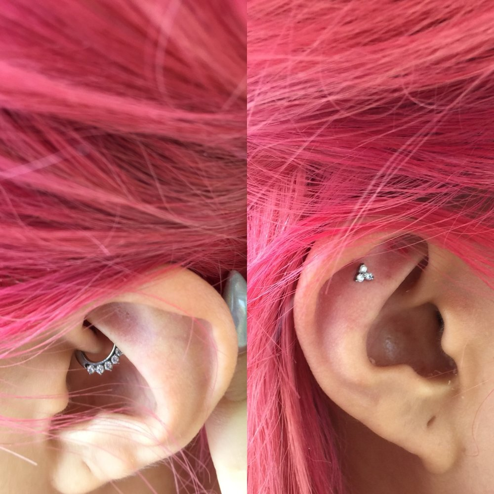 Thurs 19/1/17 - In honour of my birthday and in the spirit of #treatyoself, I got two new little ear piercings. Funnily enough, the inside daith (which looks more painful)has been way easier to heal than the one at the top of my ear. I did not think about how wearing glasses and headphones all the time would affect that one. Do not be like me.