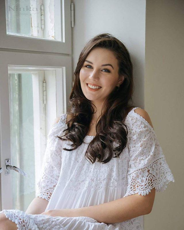 Photo @ninkadesign model Michaela muah Hanna Kallio Dress Josefiinan aitta #ninkadesign #ninka #naturallight #hair #makeup #photoshoot
