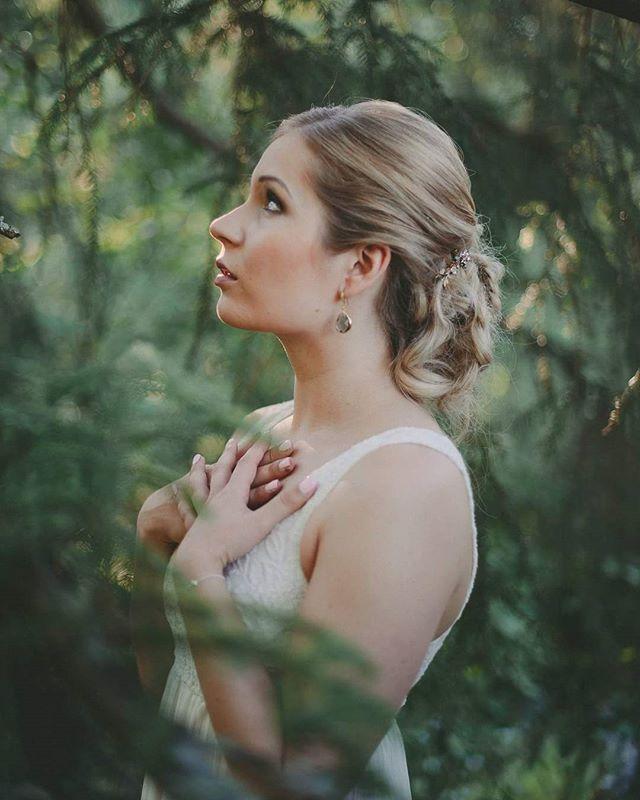 Kuva&muah @ninkadesign mallina Anu, korut www.ninka.fi #ninkadesign #ninka® #naturallight #photoshoot #juhlakampaus #rentonuttura #hair #hairdressing #makeup #meikkaus #olispajokesä