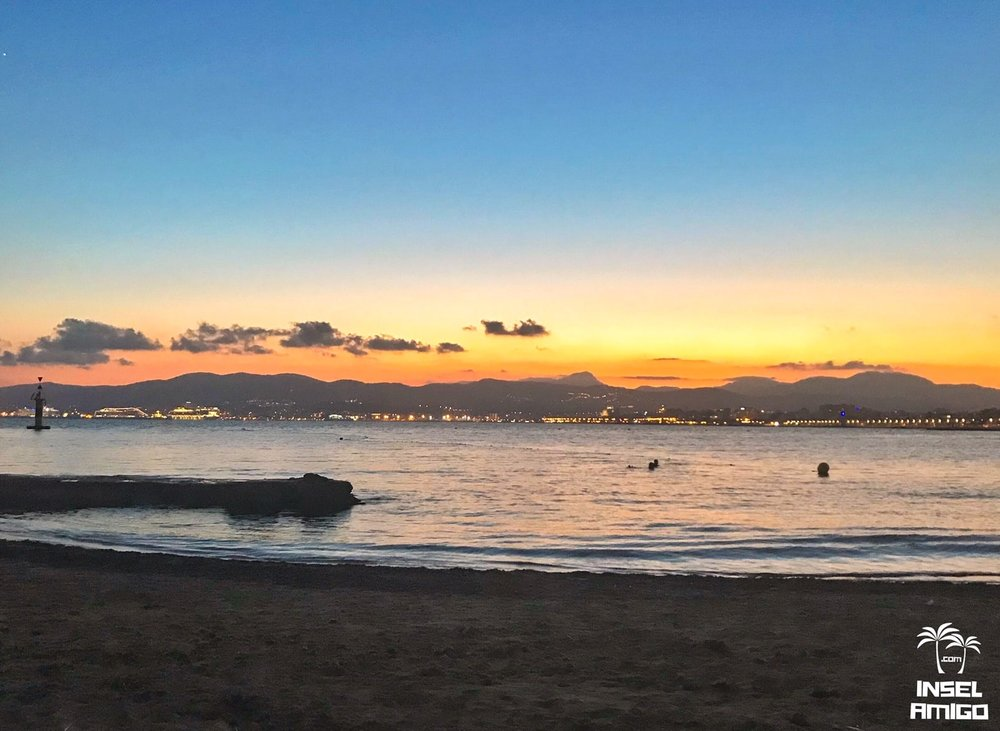 Der Strand mit Traumblick am El Peñon