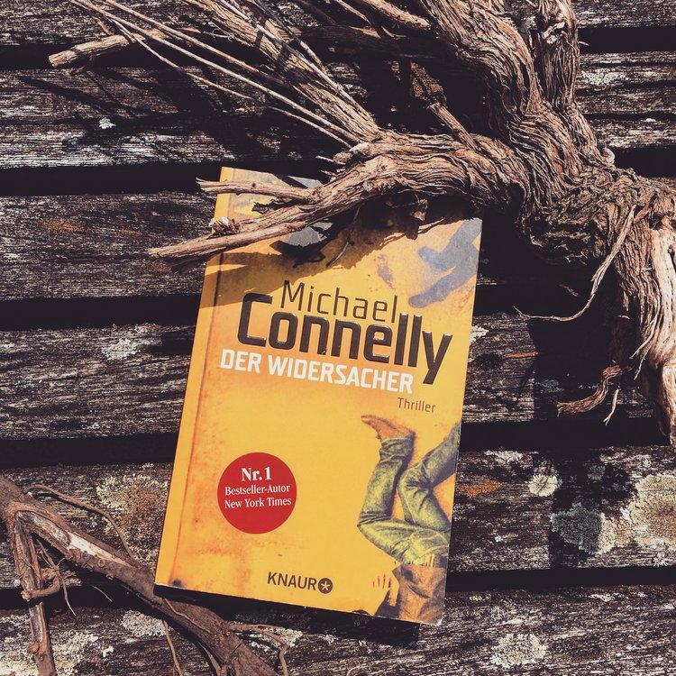 Michael Connelly –Der Widersacher  Detective Harry Bosch bekommt zwei Fälle auf den Tisch: Einen aus der Gegenwart und einer der sich bereits vor 20 Jahren ereignet hat.Spannend bis zum Ende, teilweise allerdings zu viele Handlungsstränge die dann zu schnell aufgelöst werden