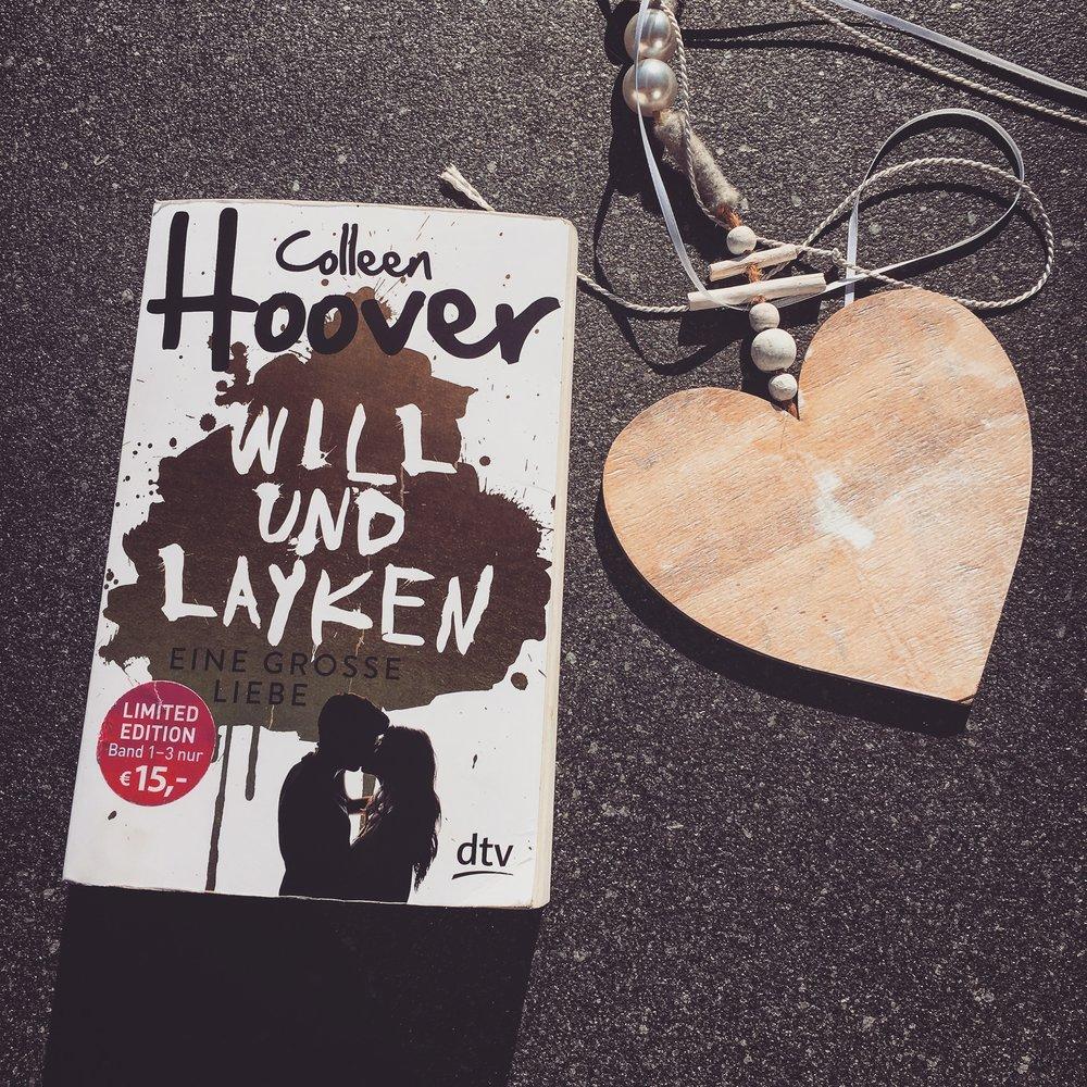 Belletristik    Collen Hoover - Will und Layken   Es sind große Gefühle zwischen Layken und Will, dann stellt das Leben sich in den Weg. Eine Geschichte über die erste Liebe und Seelenverwandte. Für Teenies die perfekte Buchreihe.