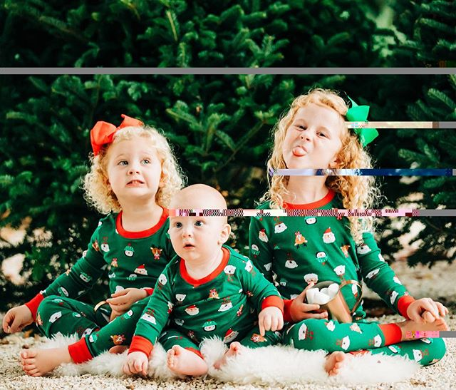 I can't even with these pictures I just got back. They turned out so good I want it to be Christmas season all year long!! . This picture pretty much sums everything up:: Sassy, silly, and super curious!! . . 📸 @dariakeenanphotography . . . . . . . . . . . . #mom_hub #momsofinstagram #motherhoodmoments #ohheymama #mums #wahm #lifecoachforwomen #mompreneur #mombosslife #freedomlifestyle #kidsofig #kidsofinsta #pursuitofhappiness  #momlifestyle #acupofmotherhood #momsofig #momsofinstagram #motherhood #ig_motherhood #mymamahood #letthembekids #motherhoodsimplified #thepursuitofjoyproject #mytinymoments #timeslowdown #momentslikethese #proudmomma #cayman #caymanislands