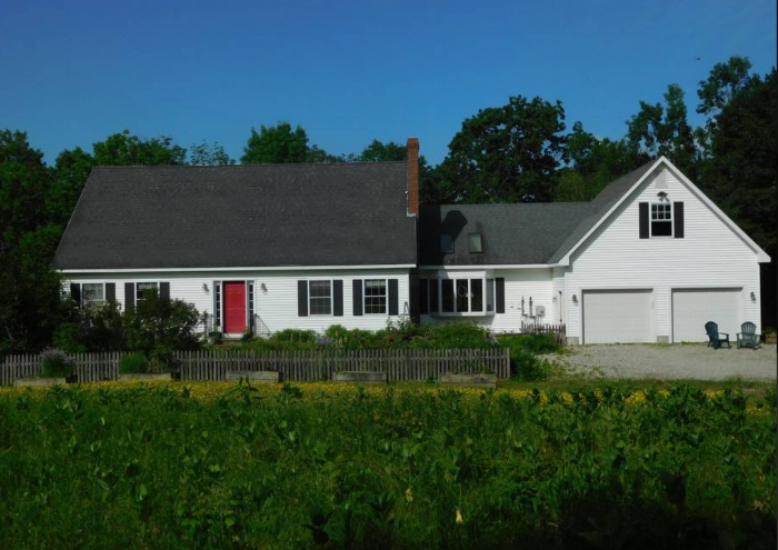 1-Airbnb Maine House.png
