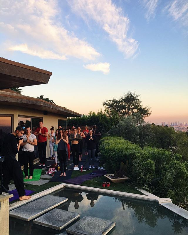 A most magical evening at our Winter Wellness Soiree! Thanks to @thatlayogi for leading us in sunset yoga, @sunnydilinger for guiding meditation, @andrew7sealy for flying us during acro and all our friends who joined in the festivities! ❄️🙏🏽❄️