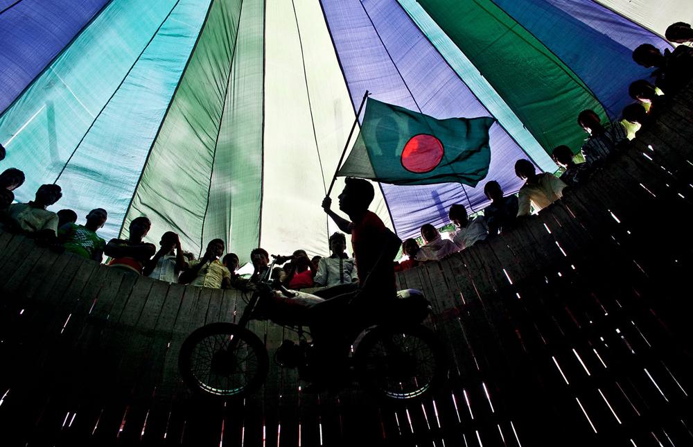 ALLISON JOYCE Mumbai, India + Dhaka, Bangladesh www.allisonjoyce.com @allisonsarahjoyce // @allison_joyce