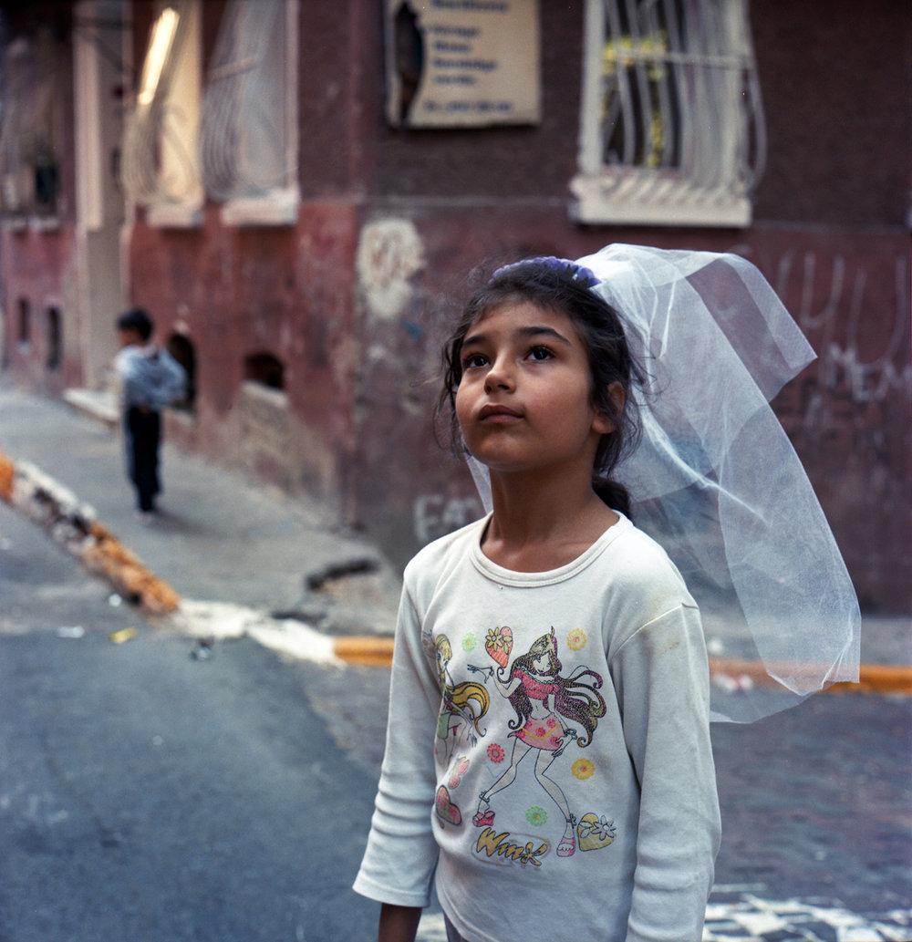 RENA EFFENDI Istanbul, Turkey www.refendi.com @renaeffendiphoto
