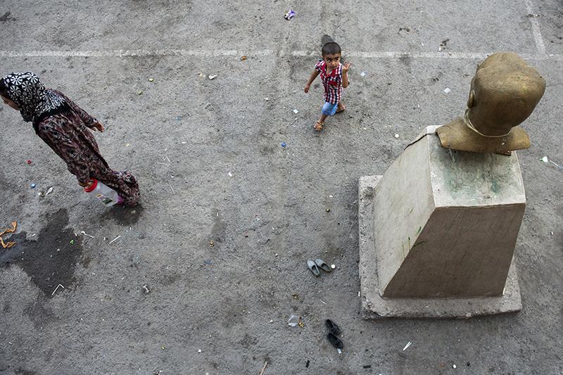 SIMRU HAZAL CIVAN Gaziantep + Istanbul, Turkey www.simruhazalcivan.com @simruhc// @simruhc