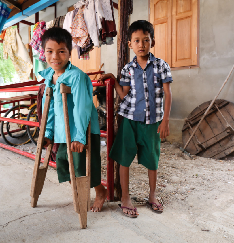 VICTORIA MILKO Yangon, Myanmar www.victoriamilkophoto.com @thevmilko// @thevmilko