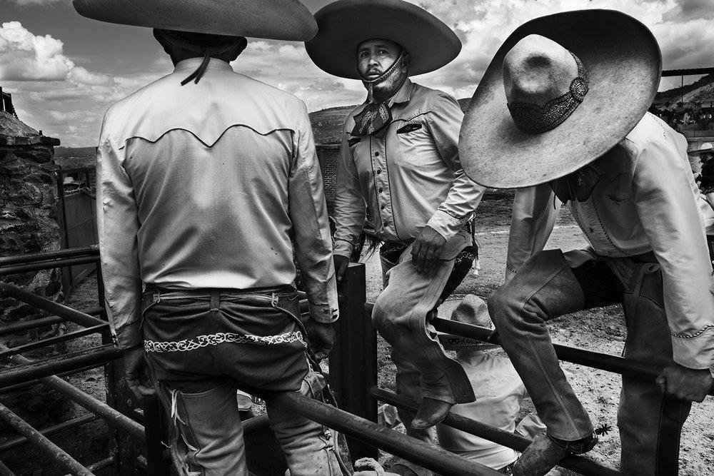 NICOLE FRANCO San Miguel de Allende, Mexico + Los Angeles, CA, USA www.nicolefranco.com @_nfranco