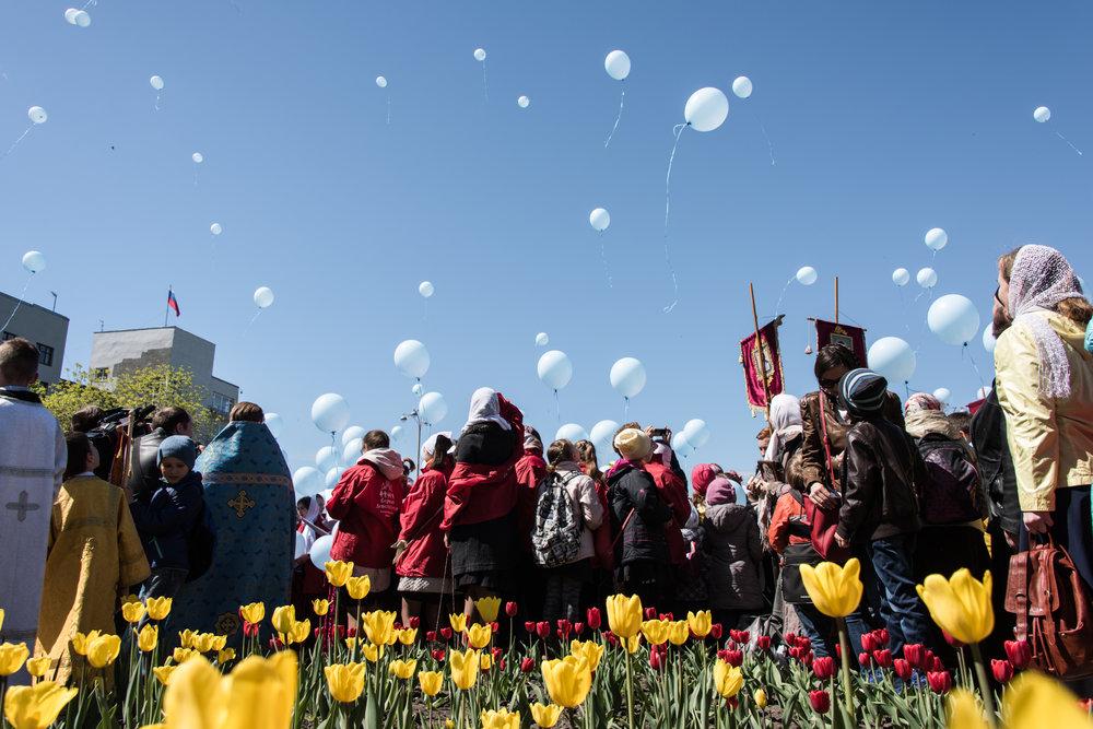 OLGA INGURAZOVA  |   www.ingurazia.com   |   @olgaingurazova   A traditional children's procession in Yekaterinburg, Russia dedicated to the end of the school year.  [ Smithsonian Magazine ]