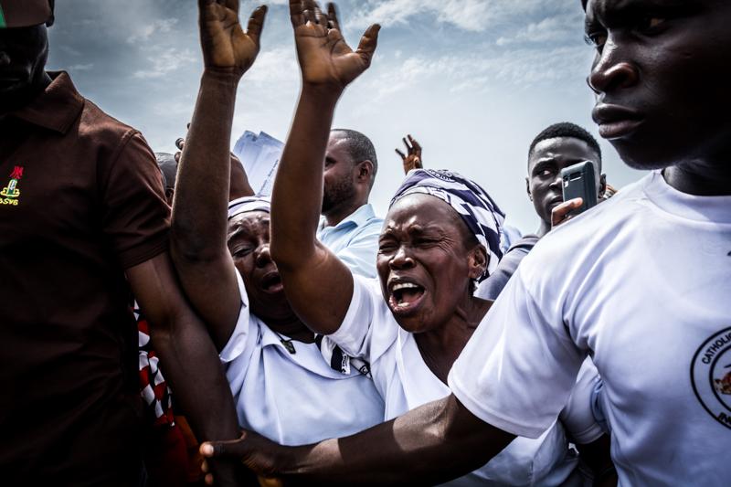 ETINOSA YVONNE Abuja, Nigeria  www.etinosayvonne.me     @etinosa.yvonne  //  @etinosa_yvonne