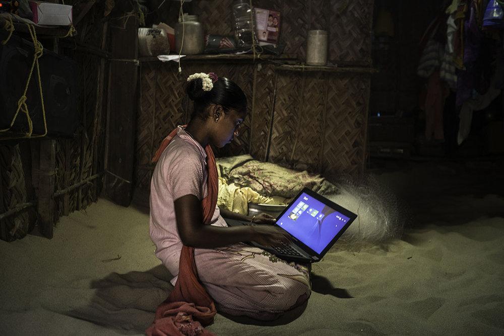 DEEPTI ASTHANA Mumbai, India  www.deeptiasthana.com   @deeptiasthana  //  @deeptiasthana