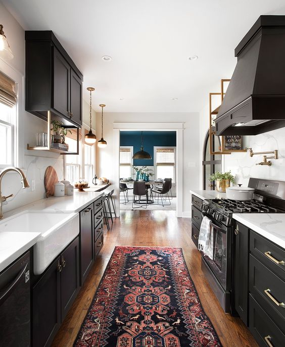 Dark cabinets, yes please! I love the moody feeling dark cabinets give off. I think they are gorgeous & exciting!
