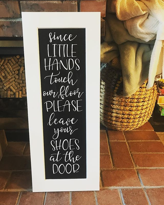 Super adorable commission for my neighbor!! #chalkboardsign #oneofakind #handlettered #handmade #handmadeisbetter