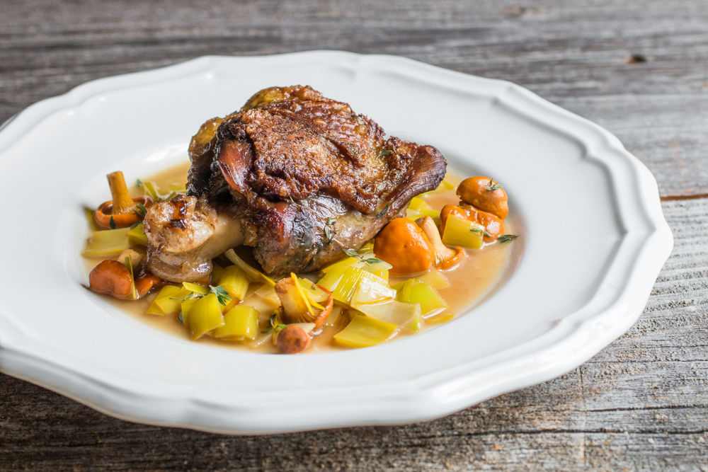 Peacock thigh confit with chanterelles and leeks_-3.JPG