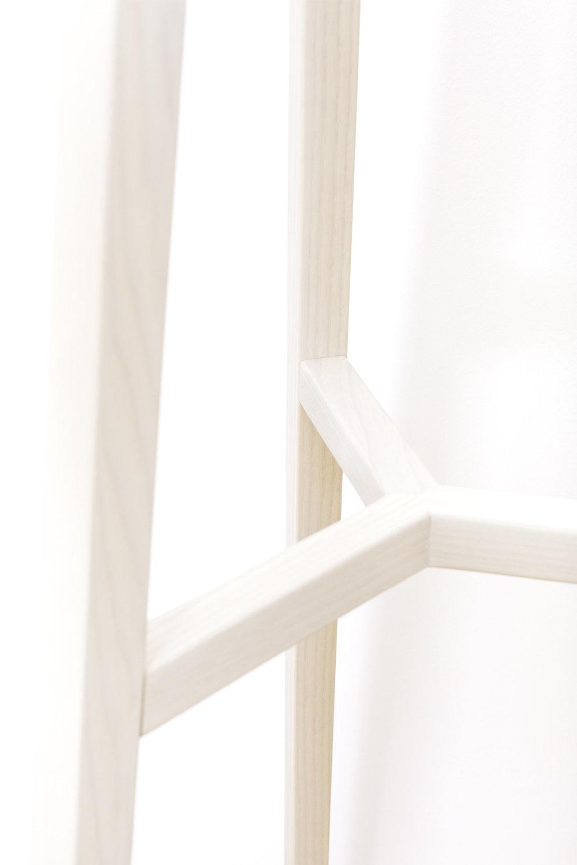 Garderobenständer-Eiche-Esche-Massivholz-werktag-Design_Möbel-07.jpg