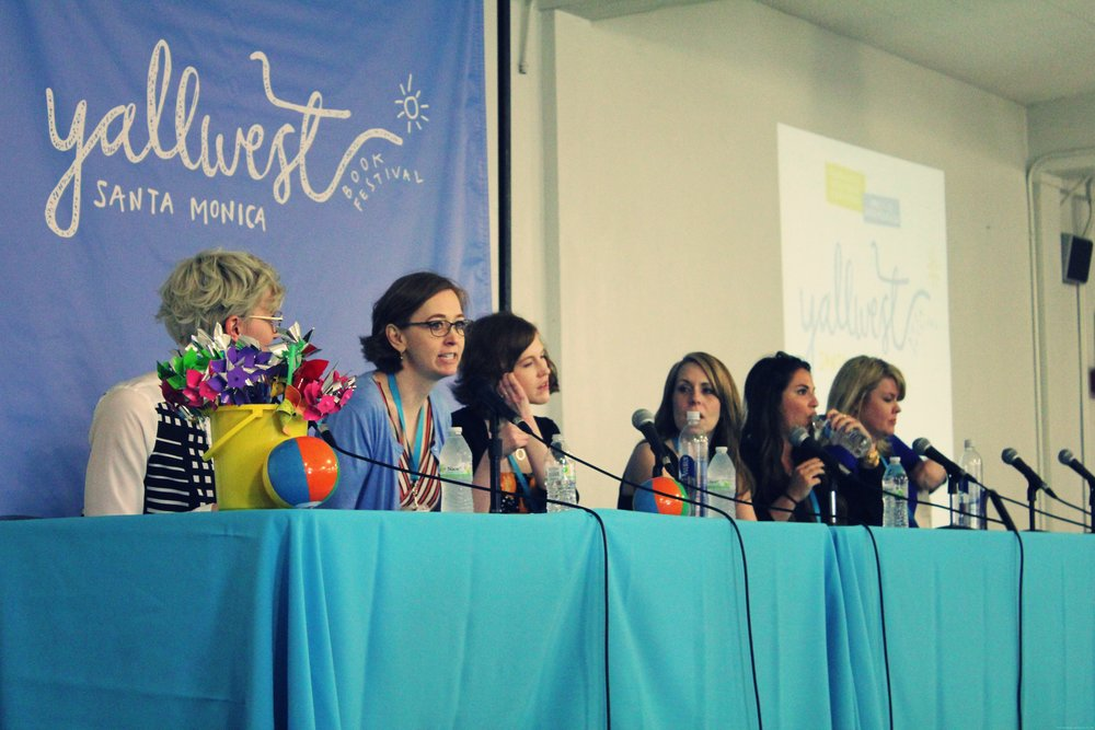 from left to right: Veronica Roth (mod), Shannon Hale, Stephanie Perkins, Kimberly Derting, Victoria Aveyard, Morgan Rhodes