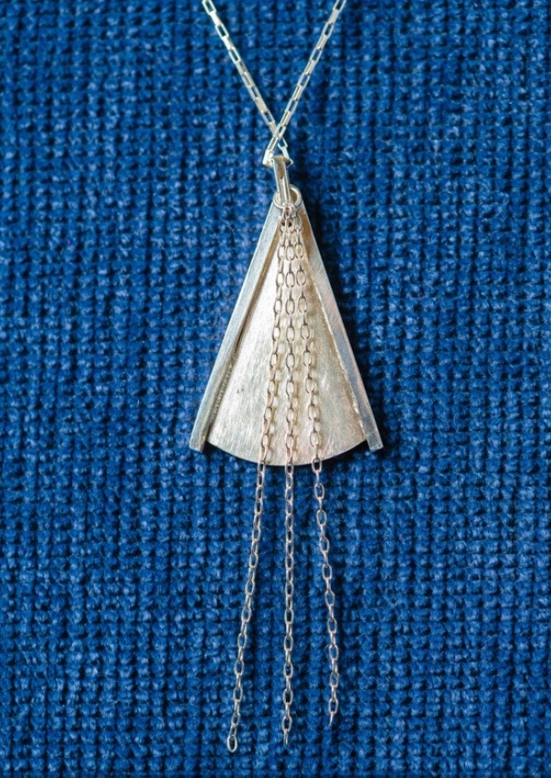 Bridesmaid Necklace detail