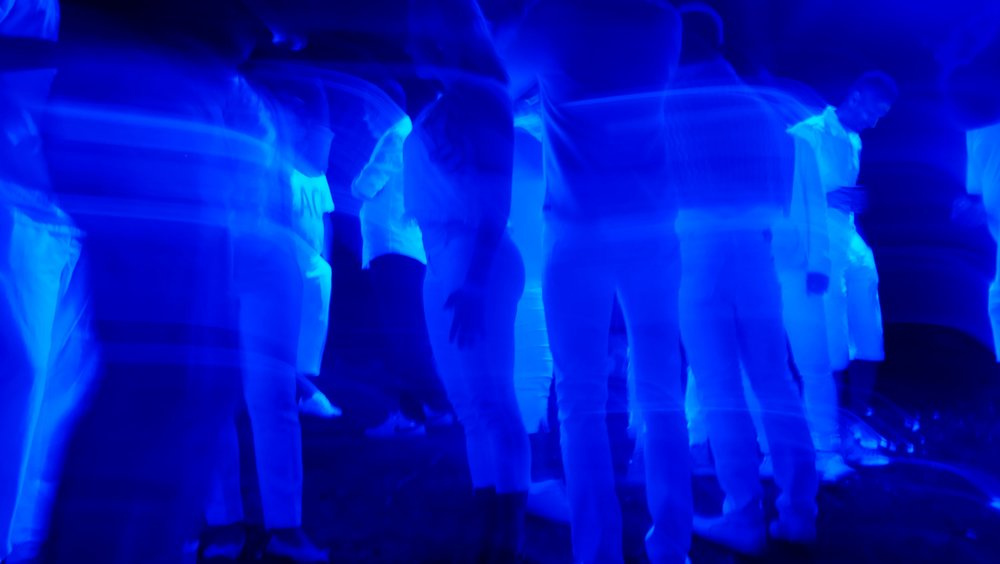 blue-light-1869254.jpg