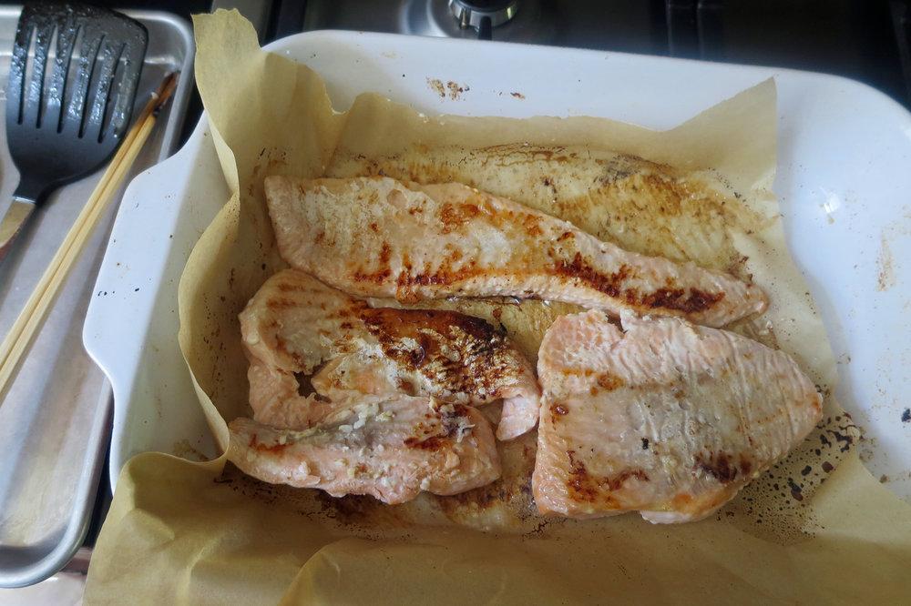 salmon_flakes.jpg