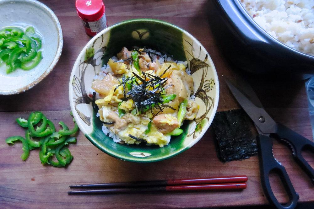 oyakodon_bowl.jpg