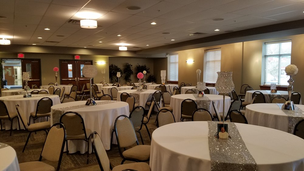 Banquet Hall 3.jpg