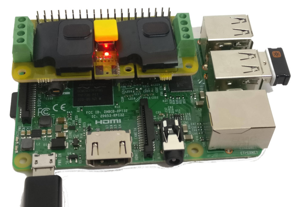 Built-in speakers and microphone - Here shown on a Raspberry Pi 3