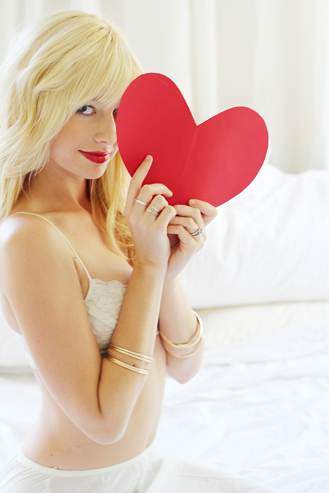 Valentine's Day inspired #boudoir by #ShannonKirstenPhotography // Featured on #BoudoirCollective