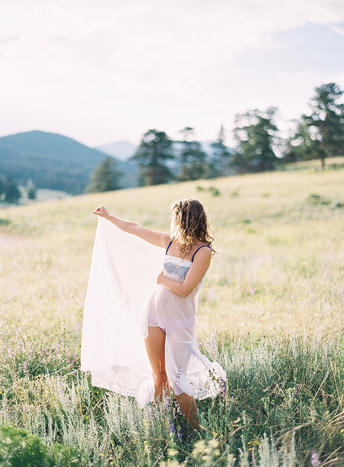 Rocky Mountain #Boudoir by #LauraLesliePhotography // Featured on #BoudoirCollective