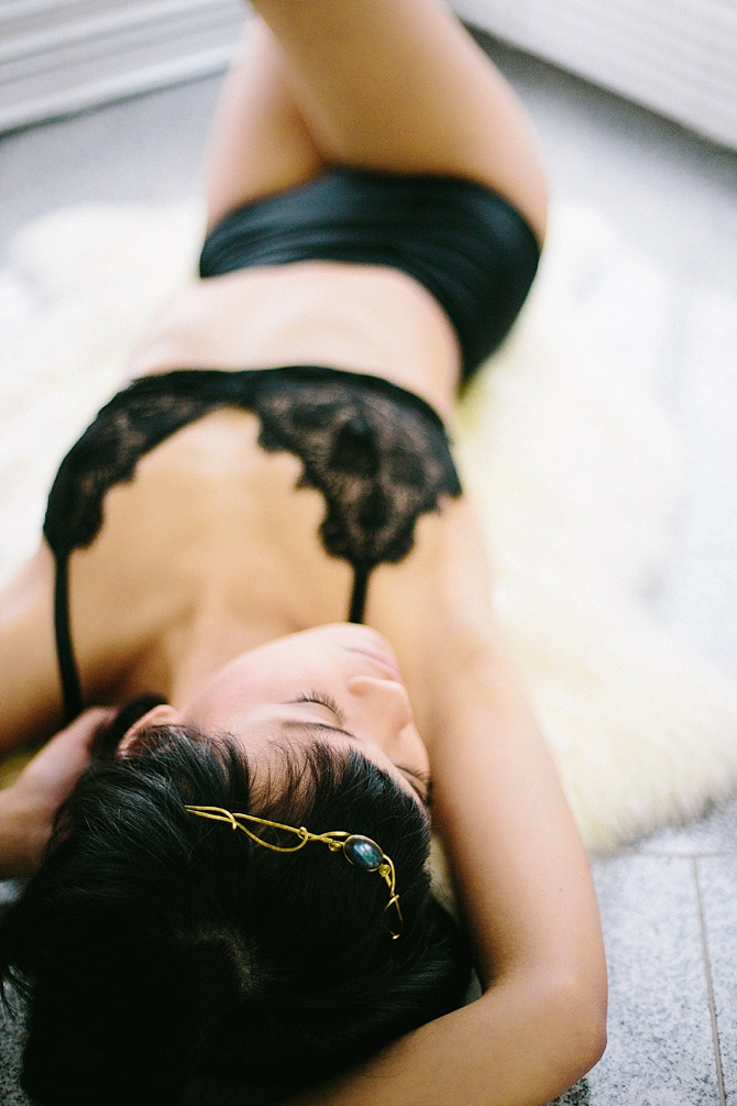 Body And Soul Boudoir by #CaritoPhotography // Featured on #BoudoirCollective