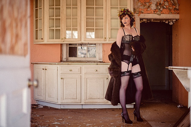 Farmhouse Boudoir by #JessBadgleyPhotography // Featured on #BoudoirCollective