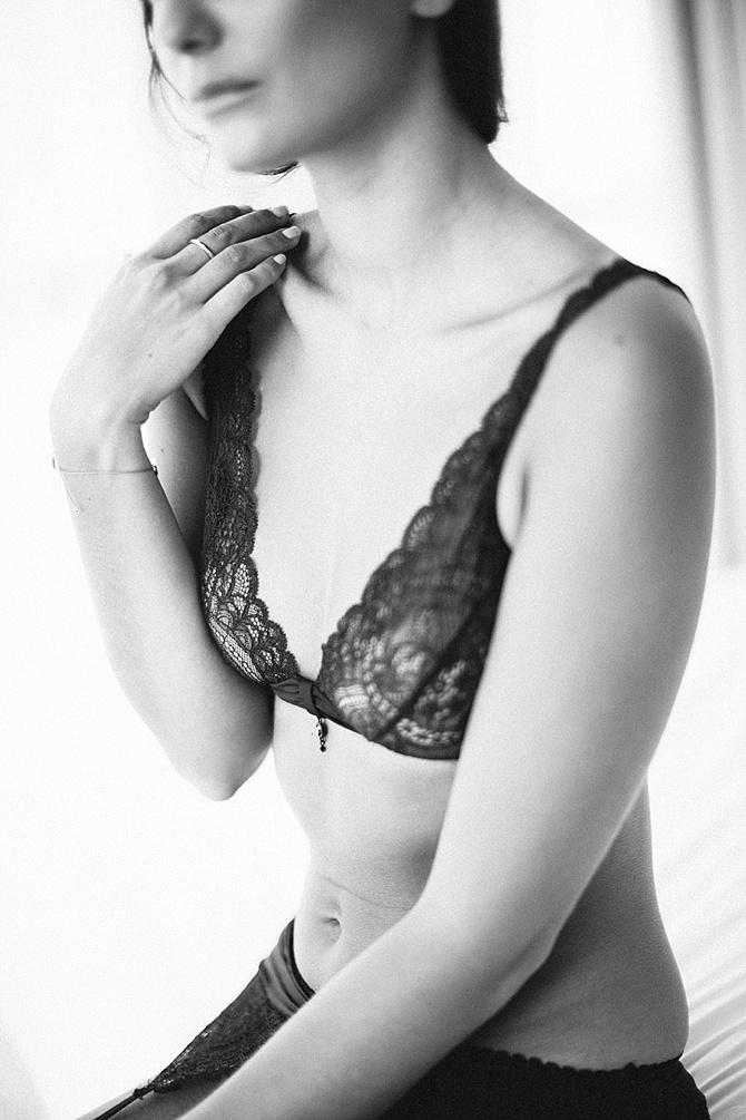 Sensual Sweets Boudoir by #KatinaFridrikFotografie // Featured on #BoudoirCollective