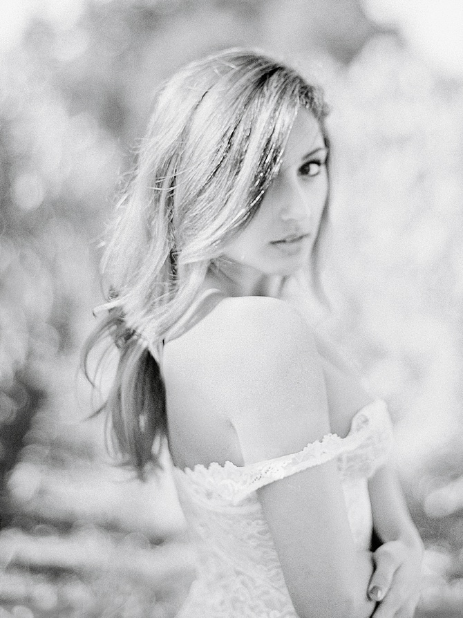 Romantic Vineyard Boudoir by #JeanniDunaganPhotography // Featured on #BoudoirCollective